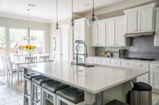 How much does a kitchen remodel cost on average in Orange County in 2022?