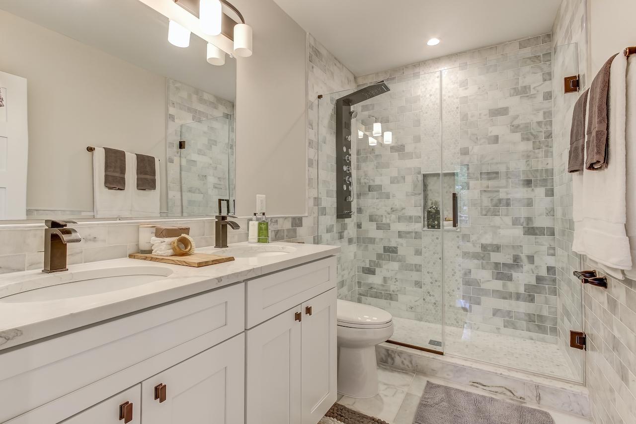 https://fbrconstruction.com/wp-content/uploads/2021/09/bathroom-remodeling.jpg